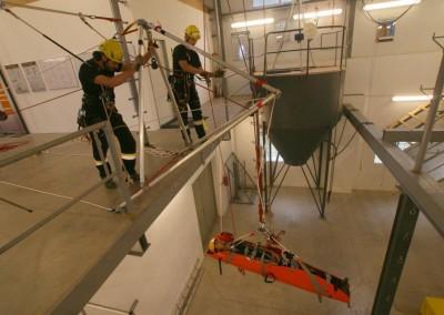 Školíme záchranáře a výškové pracovníky